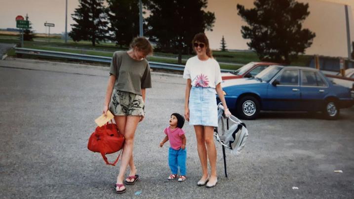 adri-moms-sisters-1989